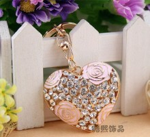 DIY Keychain Lady small gift ideas romantic Rhinestone hollow rose flower Heart key chain gold metal crystal keyring