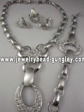 Beautiful gold plating jewelry set promotion