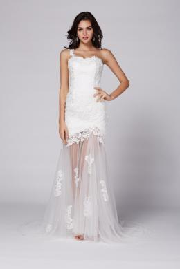 A-Line/Princess One-Shoulder Floor Length Tulle Beach Wedding Dress with Appliques