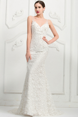 Sheath/Column Sweep Train V-Neck Tulle Wedding Dress with Lace