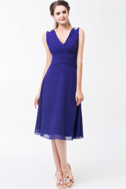 A-Line/Princess V-Neck Knee Length Chiffon Cocktail Dresses With Pleats