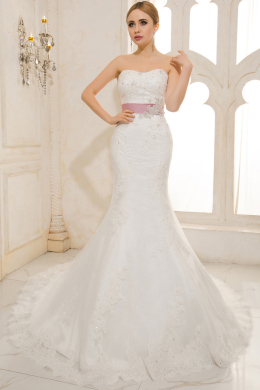 A-Line/Sheath Sweetheart Court Train Tulle Wedding Dresses With Applique