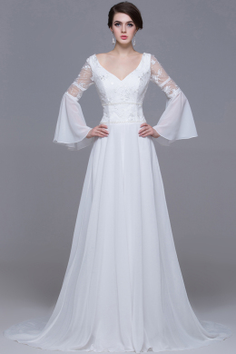 A-Line/Sheath V-Neck Court Train Chiffon Wedding Dresses With Applique