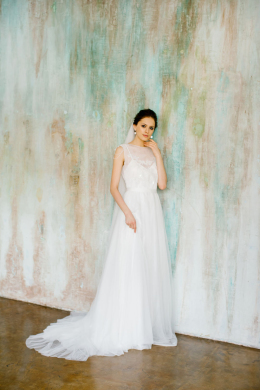 A-Line/Princess Tulle Sweep Train Gorgeous Wedding Dress