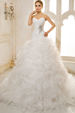 A-Line/Sheath Sweetheart Court Train Tulle Wedding Dresses With Pleats