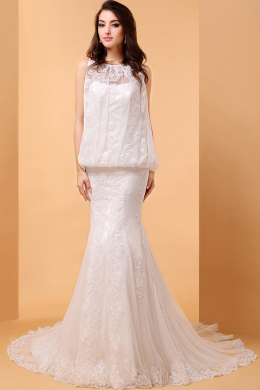 Sheath/Column Jewel Neck Court Train Lace Wedding Dresses with Applique