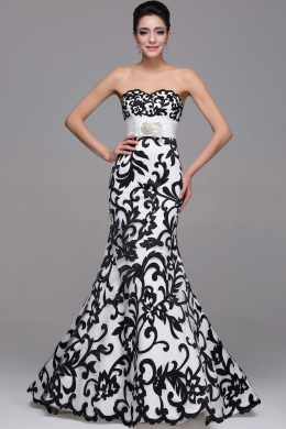Sheath/Column Strapless Floor Length Satin Prom Dress with Appliques