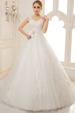 Ball Gown V-Neck Court Train Tulle Wedding Dress With Applique