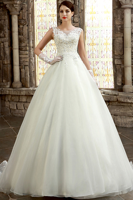 A-Line/Princess Jewel Court Train Tulle Wedding Dresses With Applique