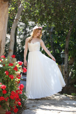 A-Line/Princess Chiffon Floor Length Exclusive Bridal Gowns