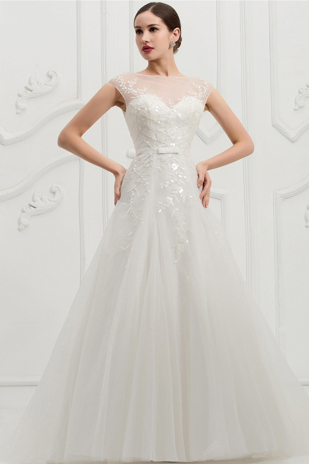 A-Line/Princess Strapless Sweep Train Tulle Wedding Dress with Embellishment