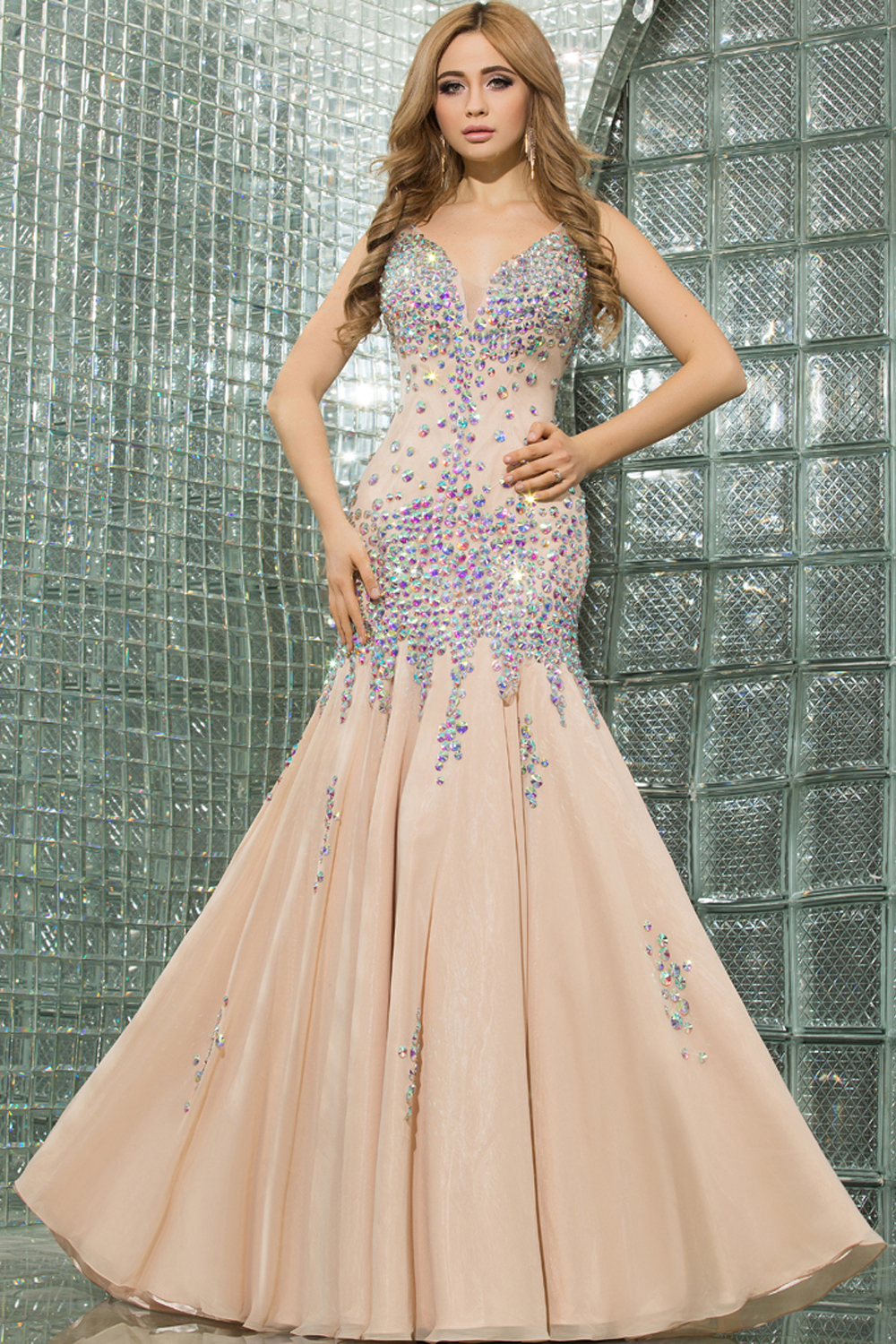 Sheath/Column V-Neck Sweep Train Chiffon Prom Dresses with Diamond
