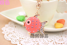 New promotional Valentines Day gifts couples cartoon fish resin stone inlay crystal key chain fashion key ring manufacturer
