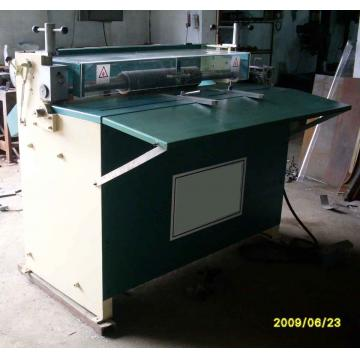 Rubber sheet slitting machine