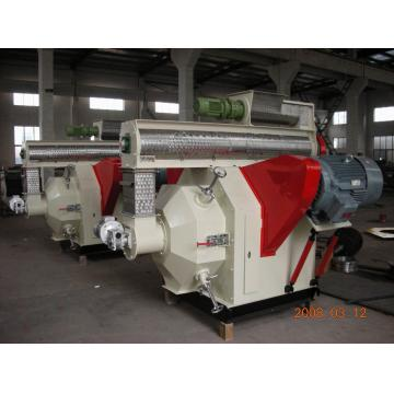 Environment 500 - 800 Kg/h Powder Straw Sawdust Wood Biomass Pellets Machine Hkj35j