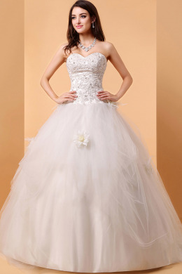 Ball Gown Sweetheart Neckline Floor Length Tulle Wedding Dresses with Diamond