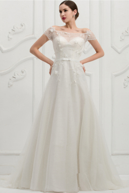 A-Line/Princess Off the Shoulder Sweep Train Tulle Wedding Dress with Appliques