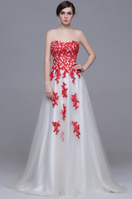 A-Line/Princess Strapless Floor-Length Tulle Wedding Reception Dress with Appliques