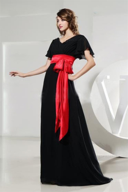 A-Line/Princess V-Neck Sweep Train Chiffon Mother of the Bride Dresses with Sash