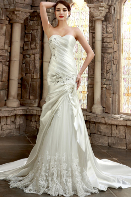 Sheath/Column Strapless Chapel Train Satin Wedding Dress with Appliques