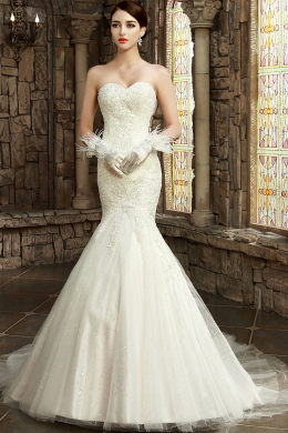 Trumpet/Mermaid Sweetheart Sweep Train Tulle Wedding Dress With Applique