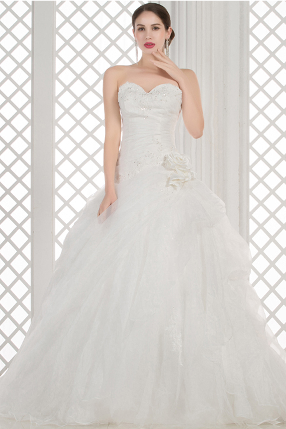 A-Line/Princess Strapless Floor Length Tulle Wedding Dress with Flowers