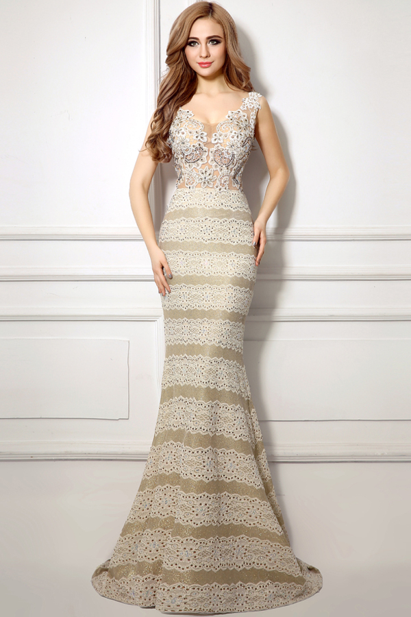 Trumpet/Mermaid V-Neck Sweep Train  Lace Evening Dresses with Applique