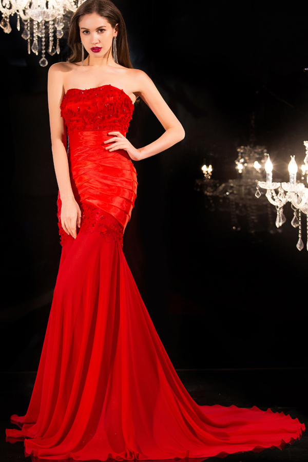 Trumpet/Mermaid Strapless Sweep Train Chiffon Evening Dresses with Applique